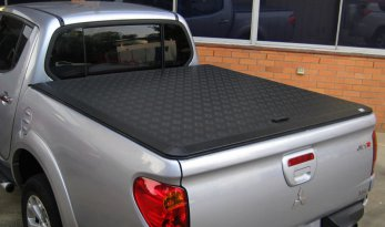 Mitsubishi MN Triton Dual Cab Load Shield - BLACK TheUTEShop Products