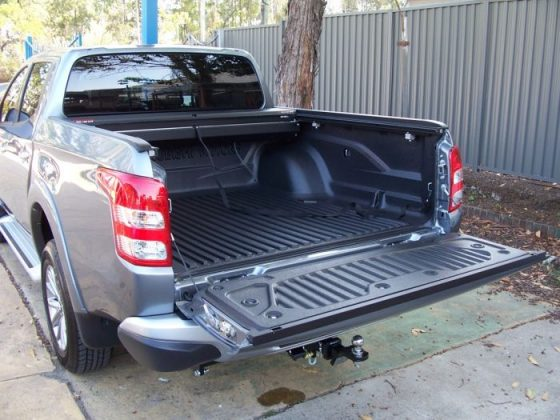 Roll-N-Lock Tonneau Cover for MITSUBISHI Triton MQ 4dr Ute Dual Cab 04/15 On TheUTEShop Products