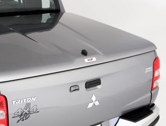 PREMIUM Manual Locking Hard Lid – Mitsubishi Dual Cab MQ Triton TheUTEShop Products
