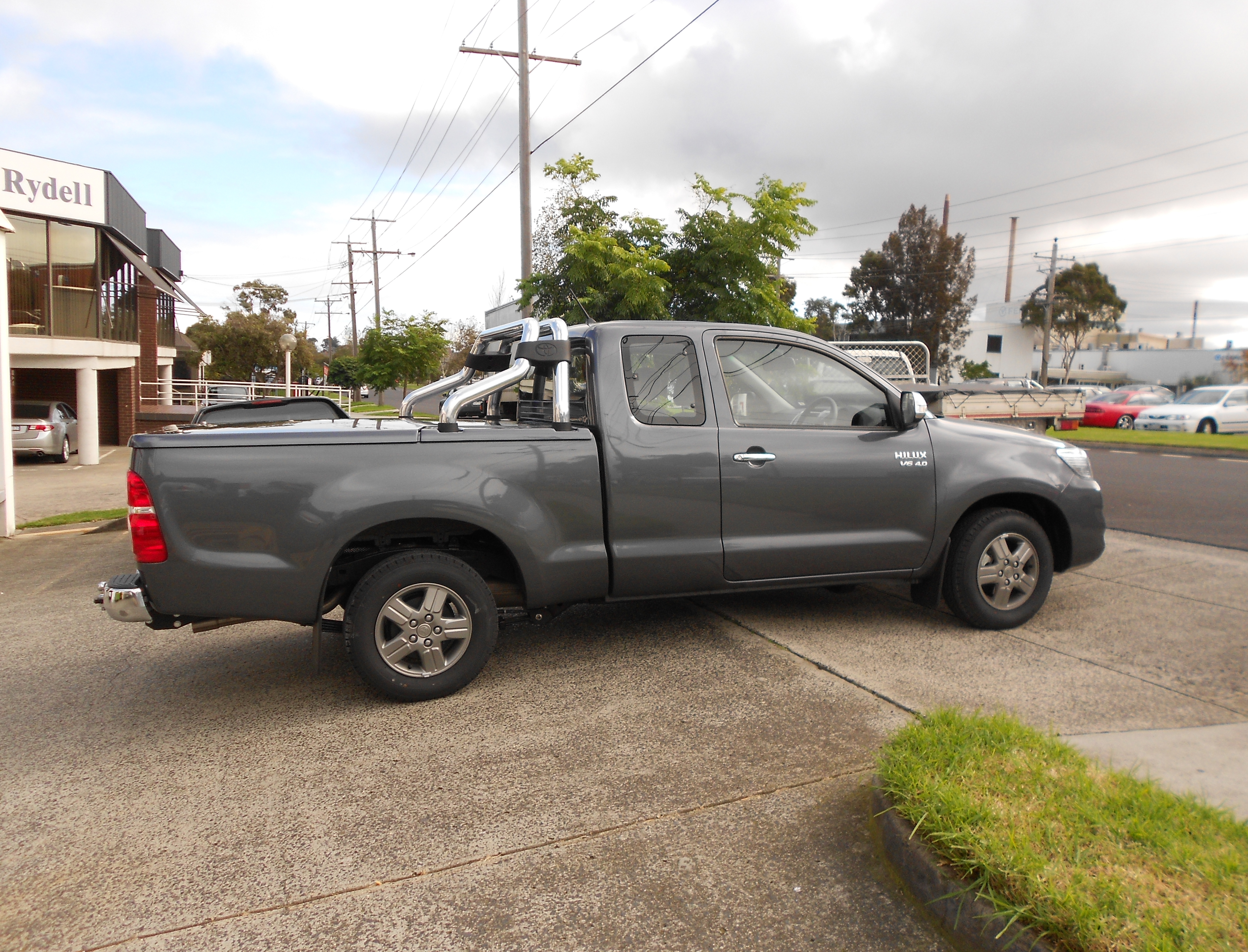 Manual Locking Hard Lid – Suits Toyota Extra Cab Hilux Vigo