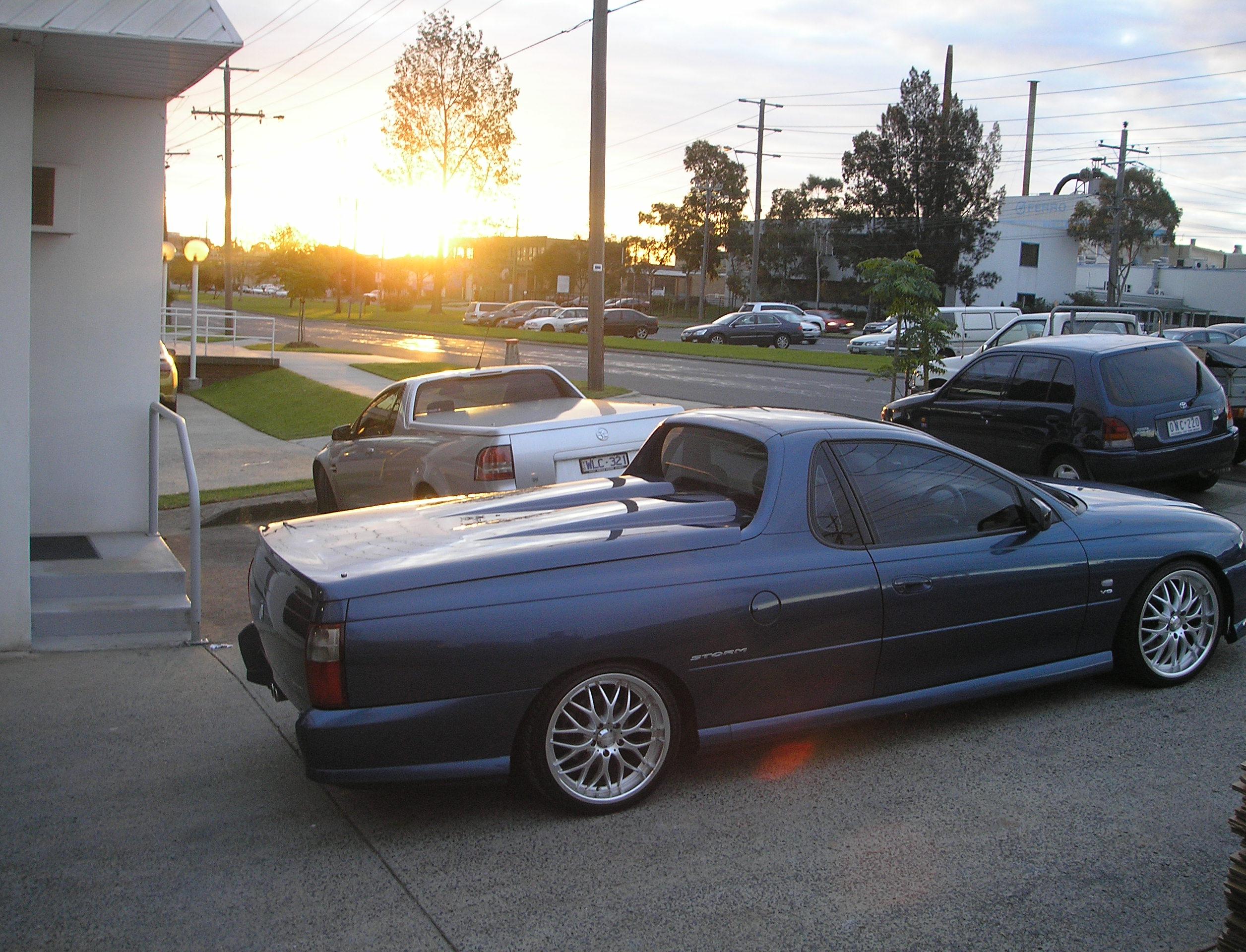 Manual Locking u0027Twin Humpu0027 Hard Lid u2013 Holden VU-VZ Commodore & Manual Locking u0027Twin Humpu0027 Hard Lid u2013 Holden VU-VZ Commodore - The ...
