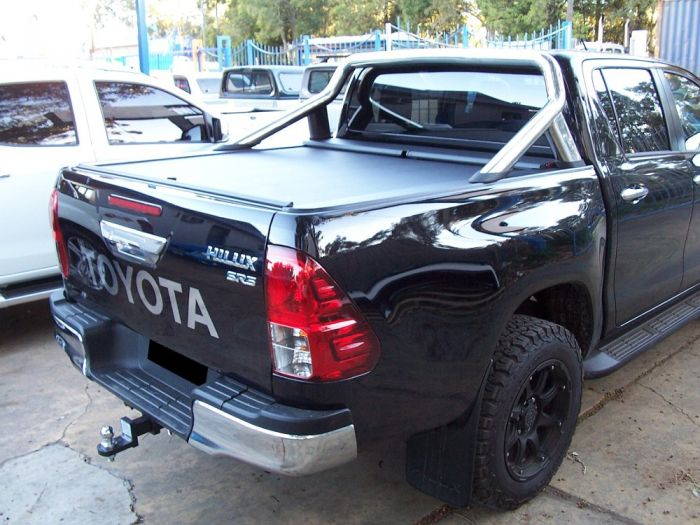 Roll N Lock Tonneau Cover For Toyota Hilux Sr5 4dr Ute Dual Cab 10 15 On The Ute Shop